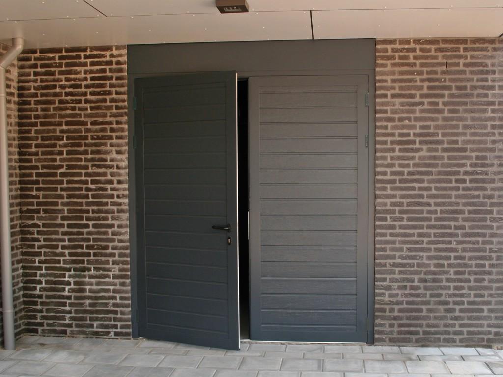 Zoekt U Een Leuke Aanbieding Voor Mooie Nieuwe Garagedeuren